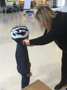 placing a bike helmet